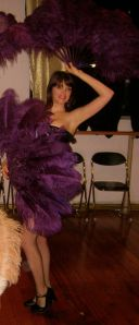 Fanning the passions of burlesque